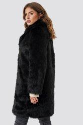 Manteau en fausse fourrure - NAKD